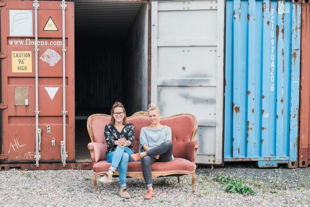 Ägarna Frida och Rebecca, Fri kommunikation